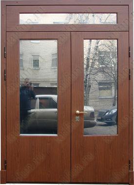 Двухстворчатая металлическая дверь с панелью МДФ с покрытием ПВХ, со встроенным стеклопакетом: