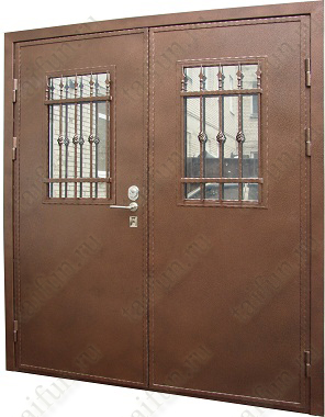 Двухстворчатая металлическая дверь с элементами ковки, со встроенным стеклопакетом